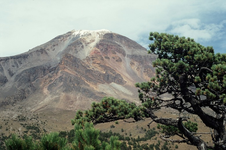 Marcin ma już za sobą kilka przygód. Jedną z nich była wyprawa do Meksyku. Na zdjęciu czynny wulkan Orizaba będący najwyższym szczytem Ameryki Środkowej. (Fot. Marcin Kruczyk)