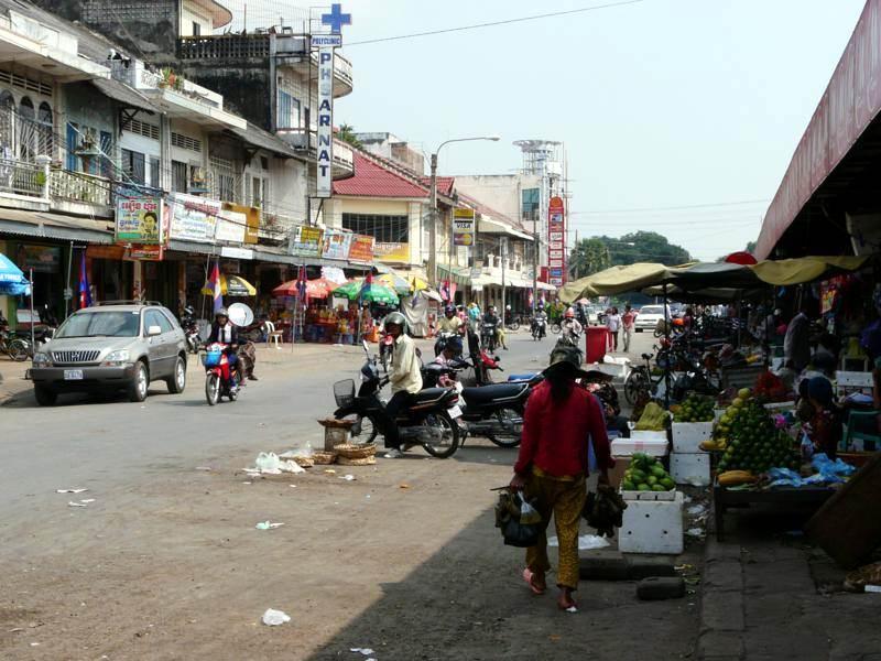 Higiena kambodżańskich targowisk powala. (Fot. Krzysztof Dopierała)