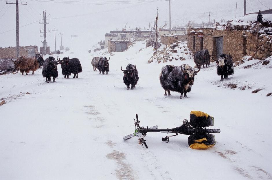 Tybet. Na północ od miejscowości Nyalam