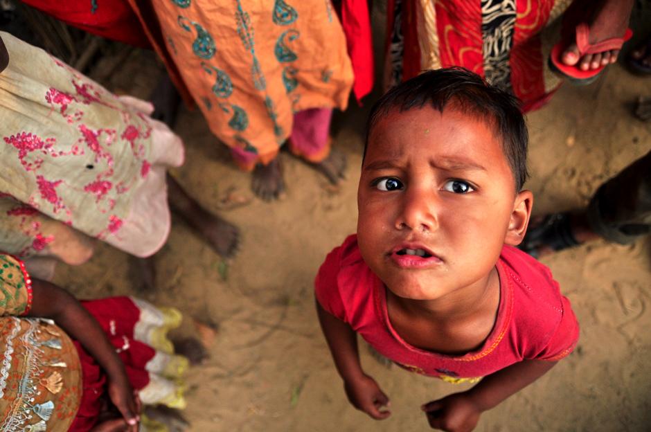 Mieszkańcy Bangladeszu zaskoczeni są widokiem turystów