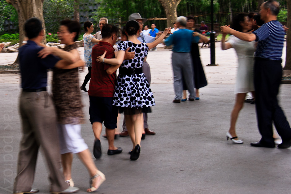 Potańcówka w parku w Szanghaju