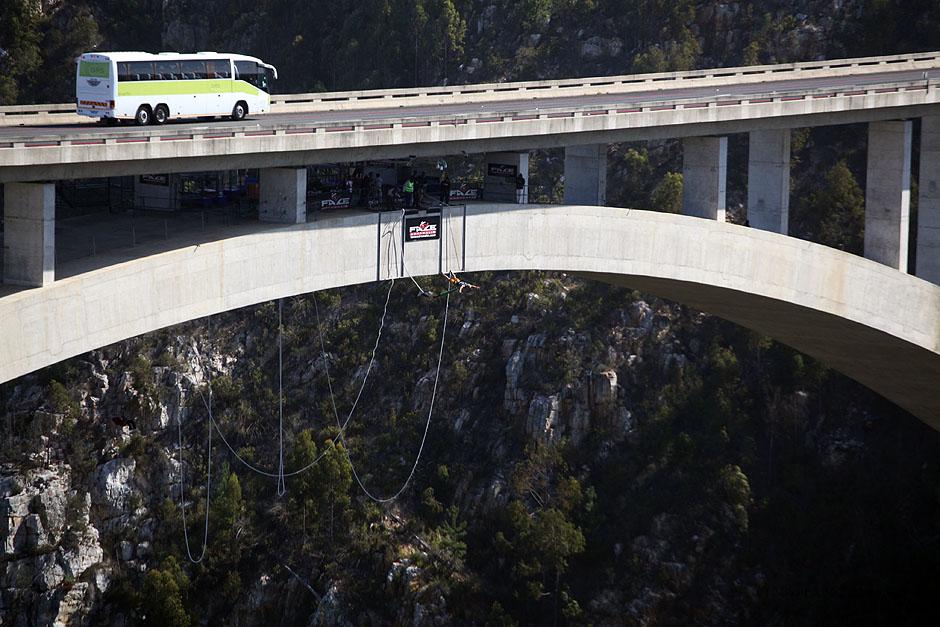 RPA, most Bloukrans, na którym można skoczyć z najwyższego bungee na świecie.
