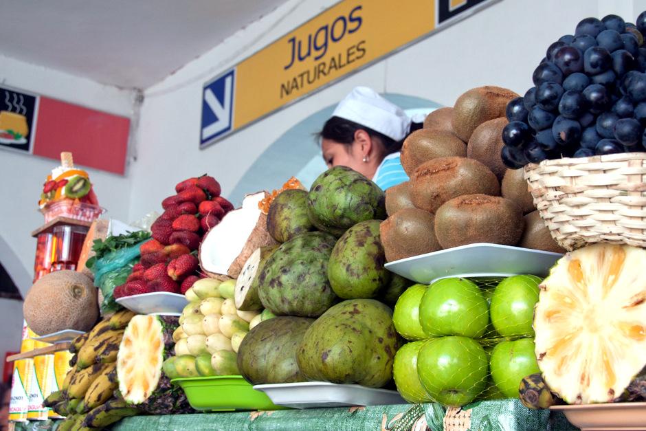 19. BOLIWIA, Sucre. Sok naturalny czy sałatka z owoców? Sok. Więcej nie uniosę. (Fot. Piotr Horzela)