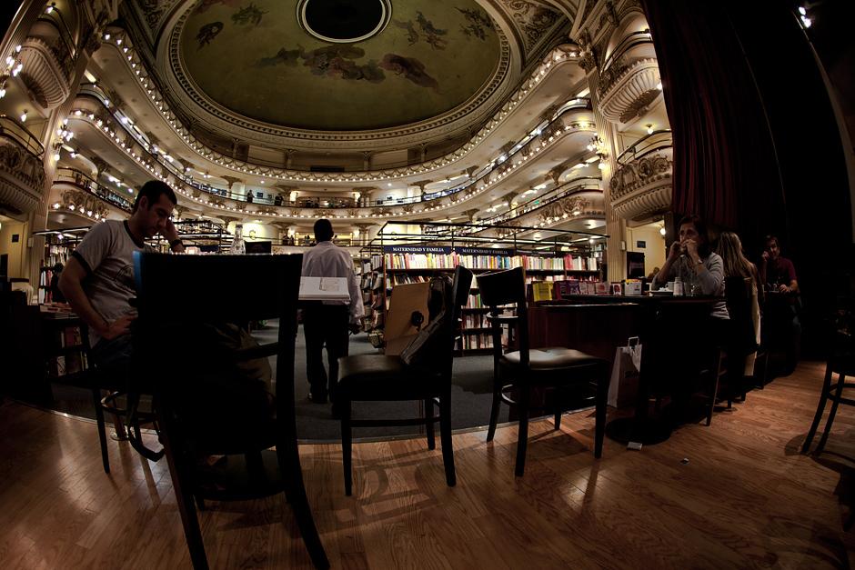 8. ARGENTYNA, El Ateneo. Można także wypić kawę w kawiarence ulokowanej na byłej scenie teatru. (Fot. Agnieszka i Mateusz Waligóra)