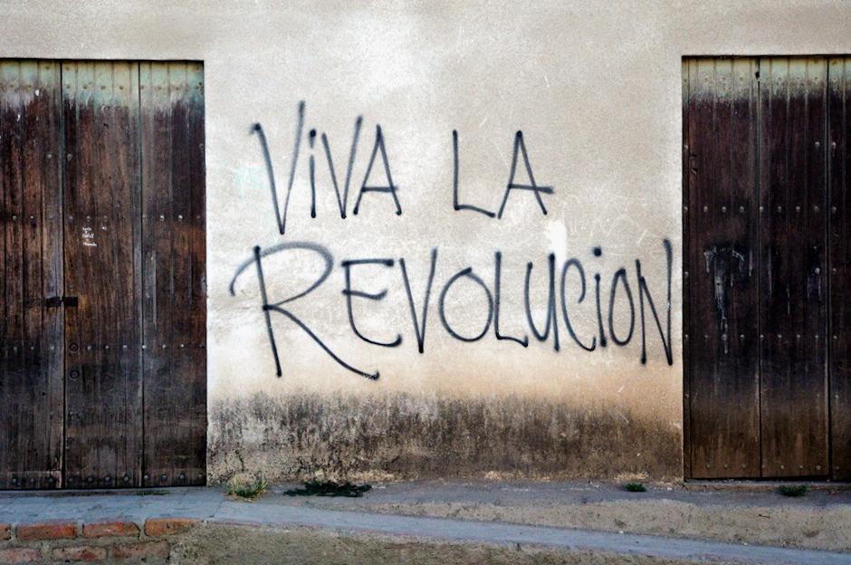 Rewolucyjne hasła w Nikaragui.