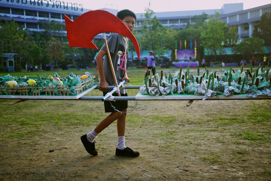Szakoła w Bangkoku. Dzień Sportu