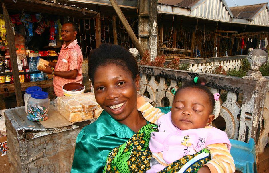 Mama z dzieckiem, Kamerun