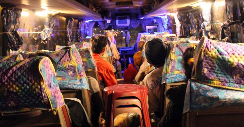 Wesoły autobus w Laosie