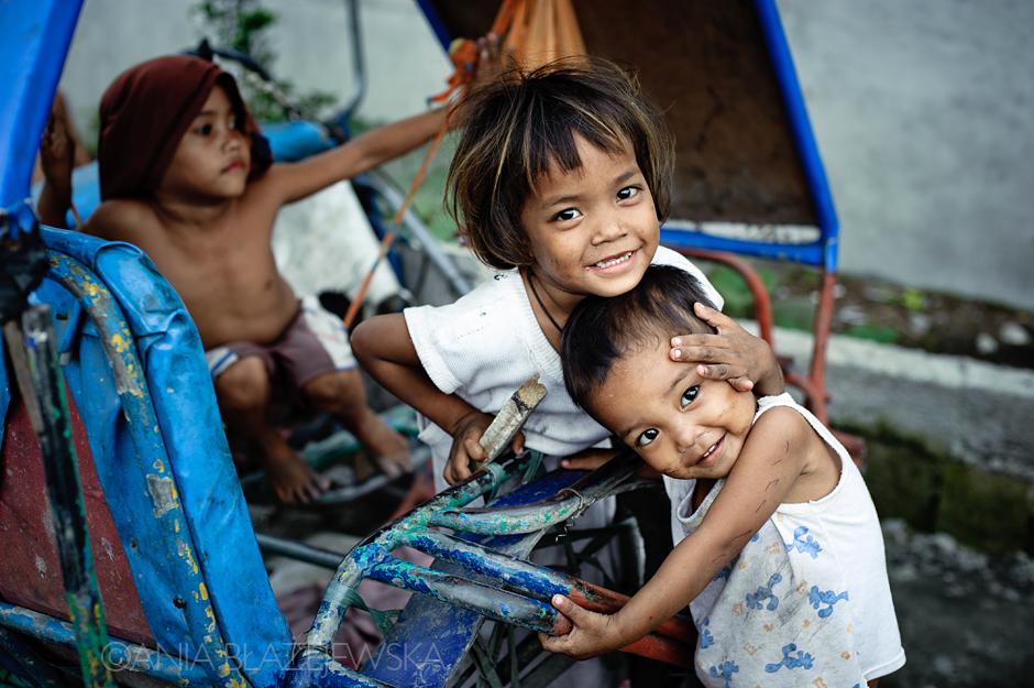Azja - dzieci ze slamsów