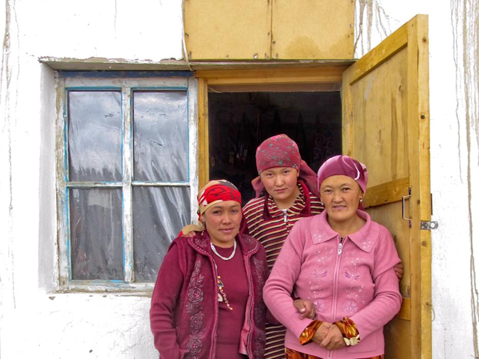 Mieszkanki Tadżykistanu zapraszają nad do domu
