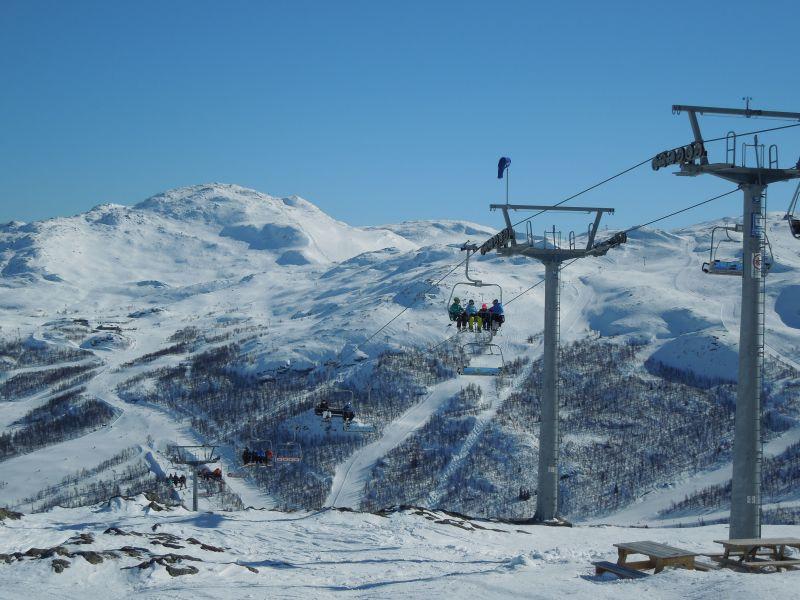 Nic dodać nic ująć, narty same aż się rwały do jazdy. (Fot. Za horyzont.net)