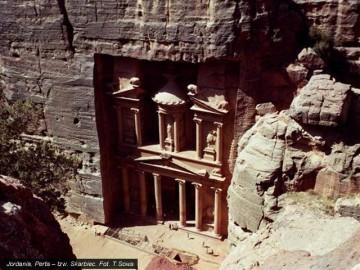 Petra - turystyczna mekka Jordanii