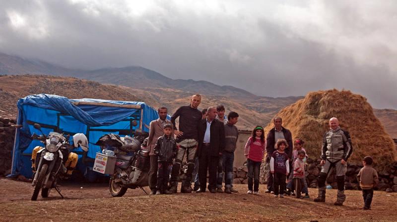 W wiosce gościnnych Kurdów