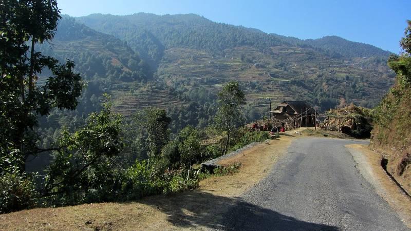 Podróż przez Nepal z Katmandu do Pokhary.