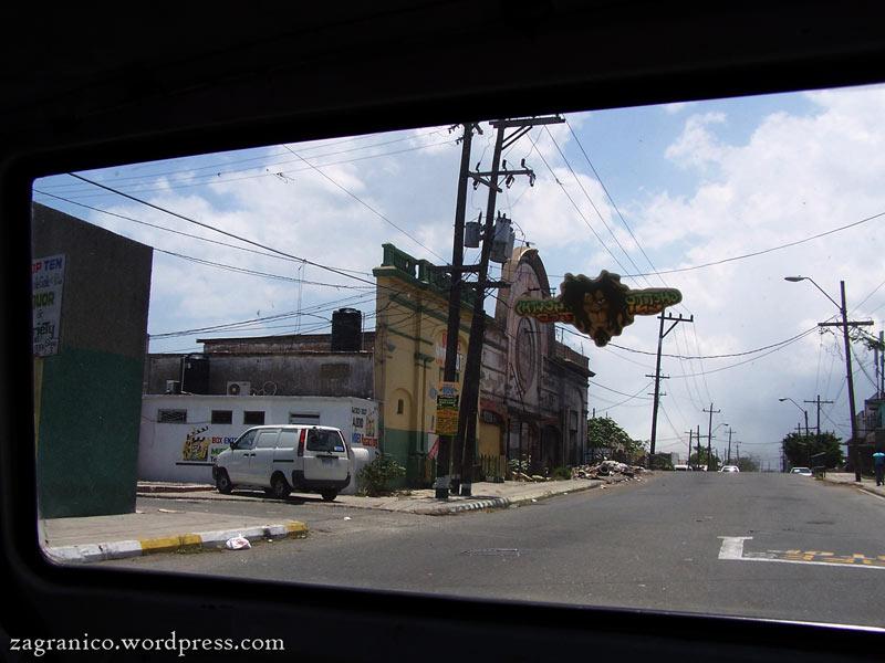 Trenmchtown - niebezpieczna dzielnica Kingston, stolicy Jamajki