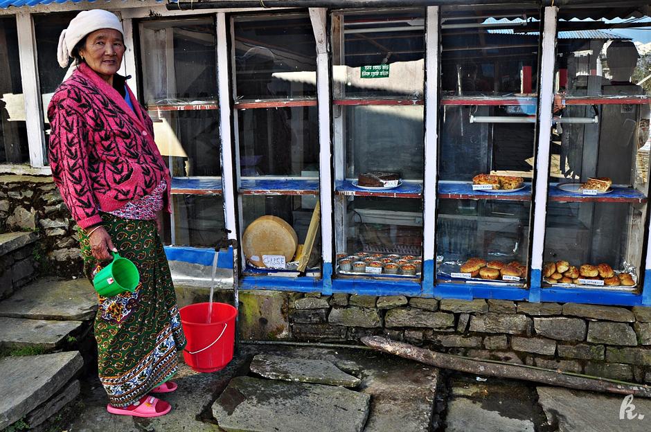 Piekarnia dla turystów w Himalajach