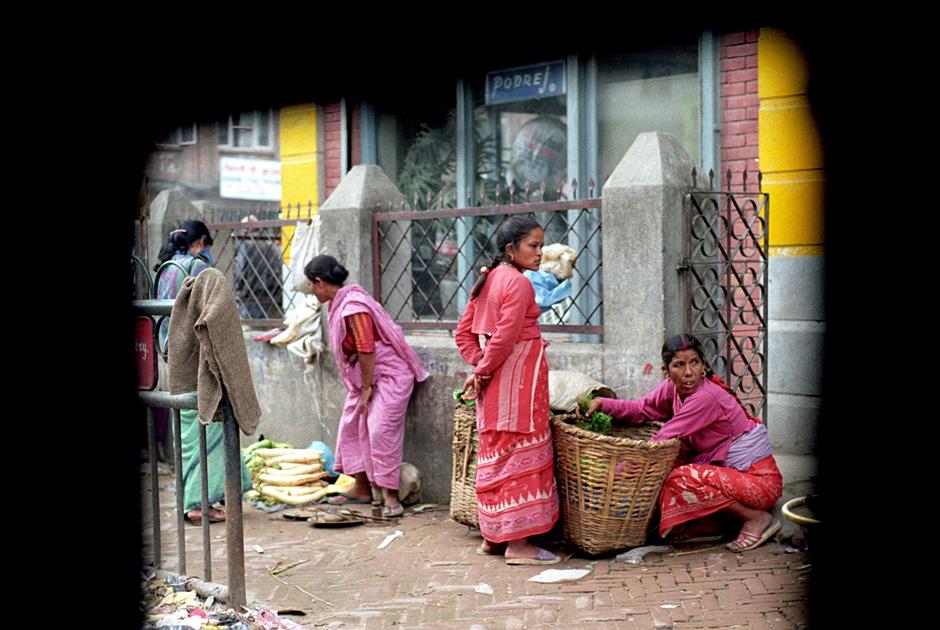 Kobiety sprzedające na ulicy w Delhi