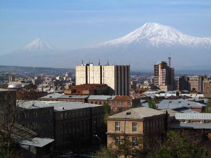 Stolica Armeni. Widok na Ararat