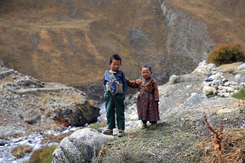Dzieciaki w Himalajach - foto