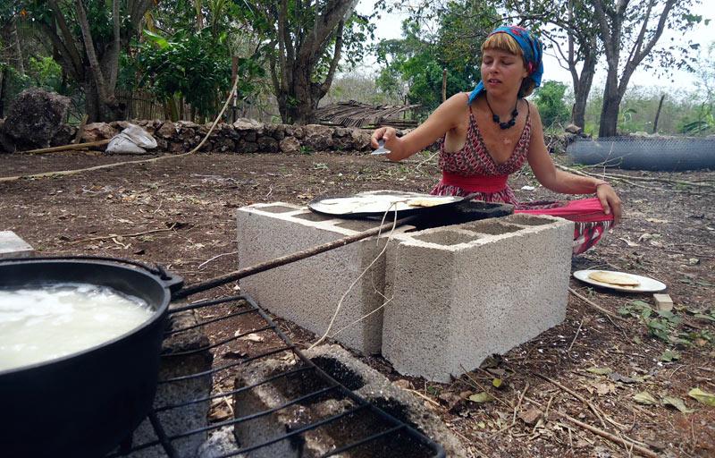 Olga Ślepowrońska na eko farmie w Meksyku