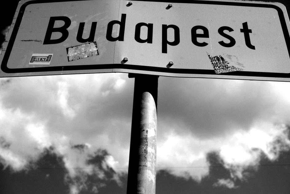 Budapest - znak drogowy, stolica Węgier