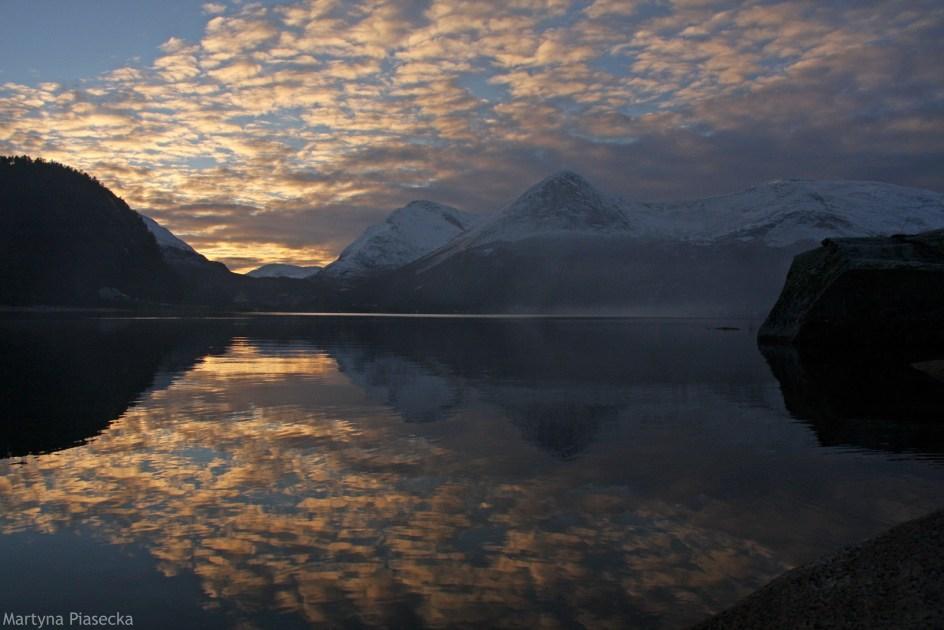 Zachód słońca na północy Norwegii - foto