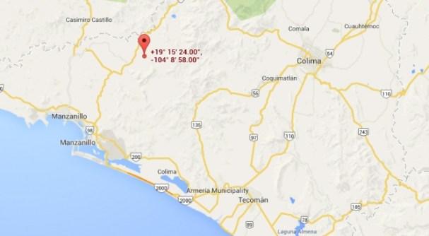 Canoas se ubica a unos 37 kilómetros al noreste de la ciudad de Manzanillo. Aproximadamente 30 minutos en autómovil.