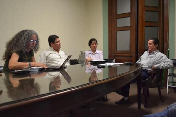 En la imagen (de izquierda a derecha, Esperanza Salazar Zenil, representante de Bios Iguana; Miguel Ornelas, delegado del RAN; la encargada de registro del RAN; y, José Alberto Peregrina, director general de Gobierno del Estado.