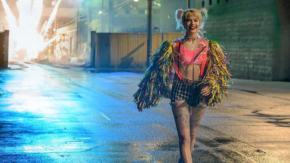 New Featurette For Dcs Birds Of Prey Gives Us A Behind The Scenes Look And Margot Robbie Hopes For A Sequel Social
