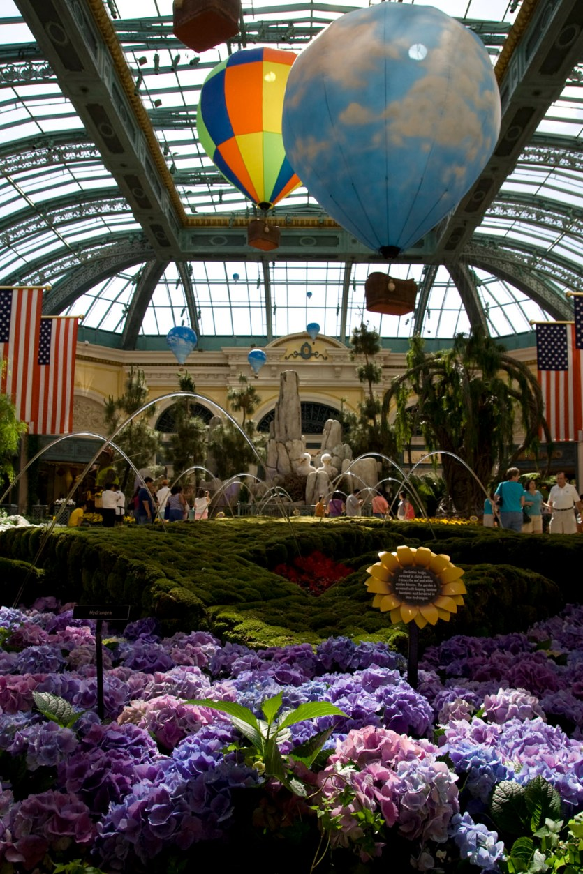 Decoración interior del hotel y casino Bellagio en Las Vegas