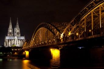 Puente Hohenzollern y catedral, Colonia, Alemania