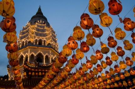 Decoración de año nuevo en el templo Kek Lok Si, Penang, Malasia