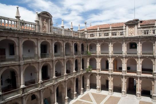 Patio de Santo Tomás de la Universidad de Alcalá, Alcalá de Henares, Comunidad de Madrid, España