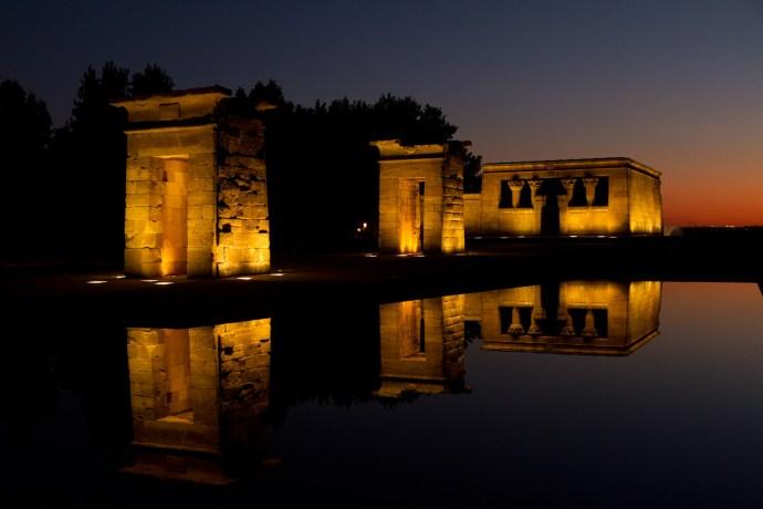 Atardecer en el Templo de Debod, Madrid, España