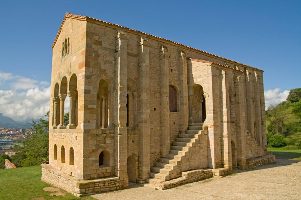 Iglesia de Santa María del Naranco, Oviedo, España