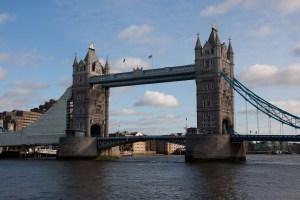 El mundialmente conocido Tower Bridge de Londres, Reino Unido