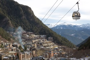 Panorámica de Arinsal y góndola, Andorra