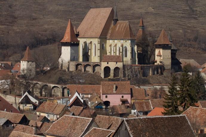 Panorámica de la iglesia fortificada de Biertan, Rumanía