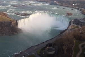 Las Horseshoe Falls, vistas desde la torre Skylon, Niagara Falls, Canada