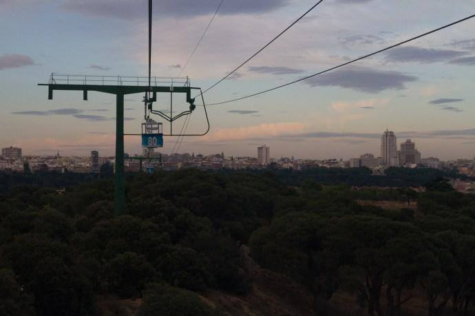 Panorámica de Madrid, España, vista desde el teleférico de Rosales