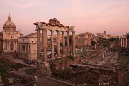 Atardecer en el foro romano, Roma, Italia
