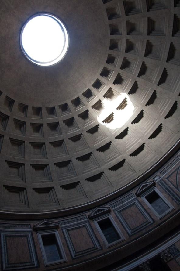 Techo del panteón romano, Roma, Italia