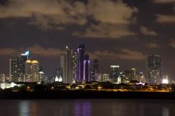 Panorámica nocturna de la Ciudad de Panamá, Panamá