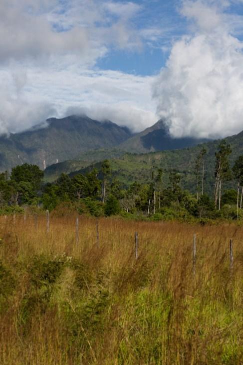 Vista del volcán Barú desde el pueblo de Volcán, Panamá