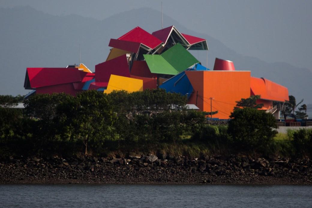 El Biomuseo de Panamá, diseñado por Frank Gehry