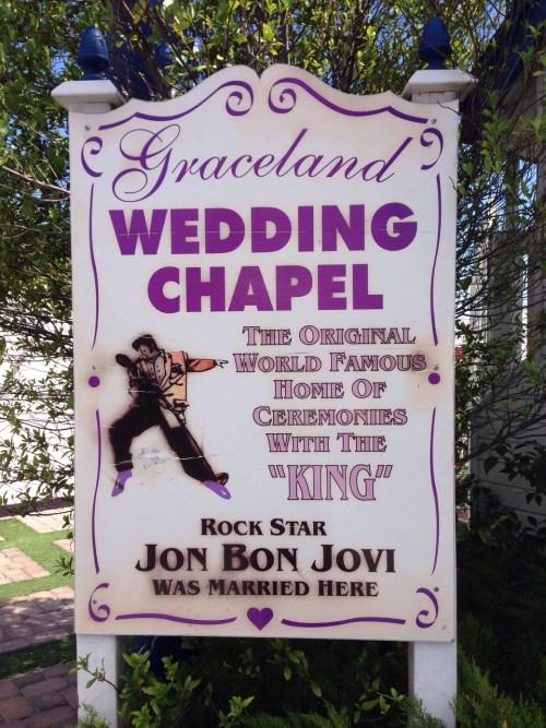 """La capilla de bodas Graceland, hogar de las ceremonias con """"el Rey"""""""