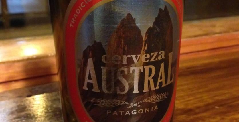 Etiqueta de Cerveza Austral con las Torres del Paine