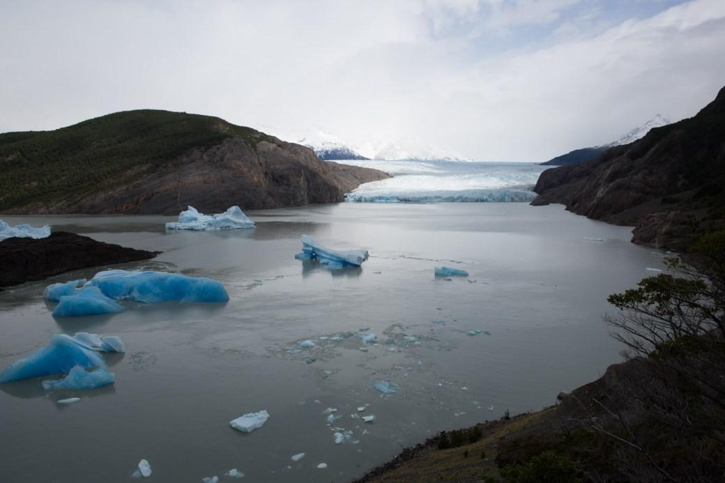 Caminando hacia el glaciar Grey, Torres del Paine, Chile