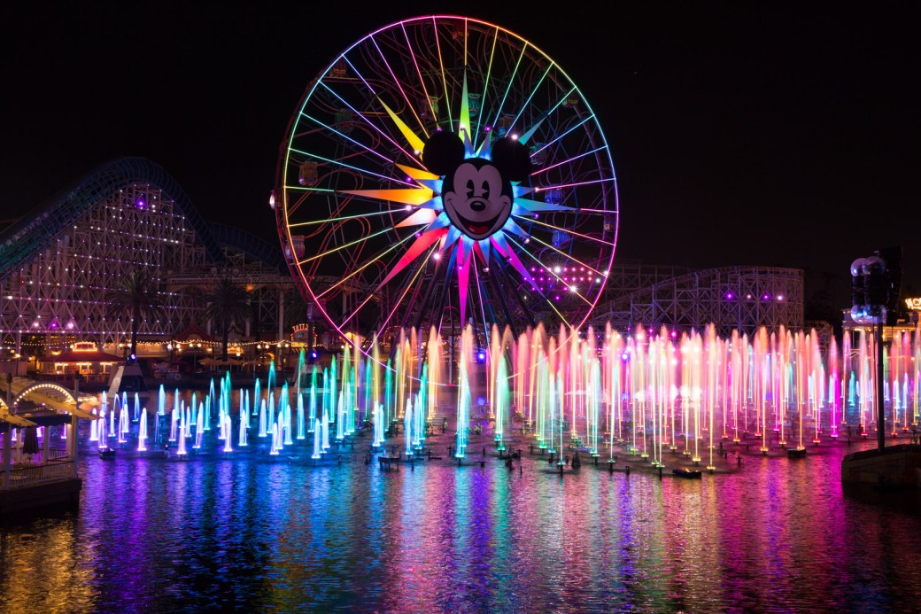 Espectáculo World of Color en Disneyland, Anaheim, EE.UU.