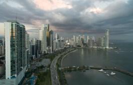 Vista aérea de la Cinta Costera en la ciudad de Panamá
